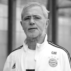 """FilGoal (From 🏠) on Twitter: """"⚫ عاجل: وفاة أسطورة الكرة الألمانية جيرد مولر… """" Soccer World, World Football, 1974 World Cup, German National Team, Michael Owen, Fc Bayern Munich, Most Popular Sports, Soccer News"""