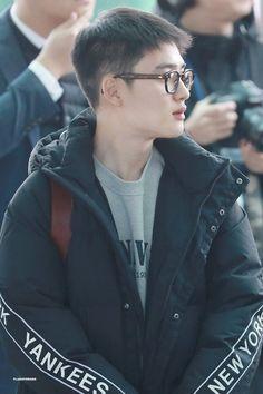 Kyungsoo [HQ] 181119 Incheon Airport, departing for Kaohsiung Kyungsoo, Chanyeol, Kaisoo, Exo Korean, Do Kyung Soo, Xiu Min, Kpop Exo, Exo Members, Incheon