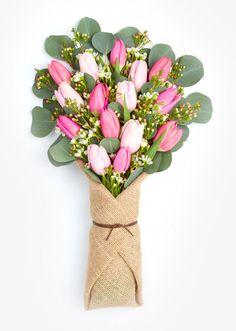 40 Best Valentines Floral Arrangements Vase - Home Design Little Flowers, Fresh Flowers, Beautiful Flowers, Wax Flowers, Tulips Flowers, Best Flower Delivery, Flower Delivery Service, Valentine Flower Arrangements, Floral Arrangements