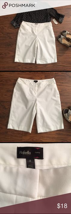 Bermuda length curvy fit dress shorts by Rafaella Size 10. Beautiful classic white dress shorts. The perfect staple for Spring and Summer! No stains! Only very minor wash wear. Very good condition! Cotton/polyester/spandex blend. Rafaella Shorts Bermudas