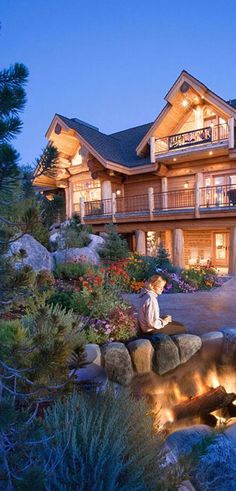 Pioneer Handcrafted Log Homes | #loghomes #logcabins #loghomeliving #logcabinhomes