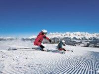 #Skiurlaub #Schladming - günstige Unterkünfte www.winterreisen.de - #Weihnachten #Silvester #Karneval #Ostern - Der beliebte Ferienort Schladming bildet den Mittelpunkt der großartigen Skiregion Dachstein-Tauern. Die Gegend begeistert ihre Winterurlauber durch unzählige Abfahrten und Pisten, immerhin stehen über 170 Pistenkilometer und 88 Skilifte zur Verfügung. Company Brochure, Travel Companies, Mount Everest, Skiing, Mountains, Last Minute Vacation, Ski Trips, New Years Eve, Alps