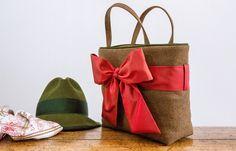 gro e fetzige trachtentasche mit innentasche und nieten dirndl pinterest trachtentasche. Black Bedroom Furniture Sets. Home Design Ideas