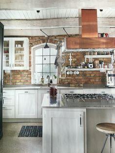 Pent med murstein på kjøkken