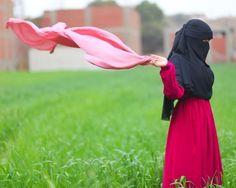 Hijab Niqab, Hijab Outfit, Face Veil, Beautiful Muslim Women, Aquaponics, Dress Codes, Princesses, Squats, Islam
