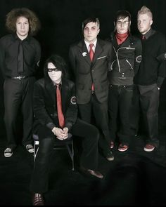 Cool Kidz, Emo Art, Attention Span, Black Parade, Gerard Way, Emo Bands, Staying Alive, My Chemical Romance, Real People