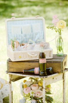 8a - A Vintage Picnic and Games Styled Wedding Shoot