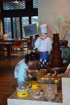 July has taken us to Hainan Island in China. Here is a picture of little girls enjoying the delicious breakfast at the Raffles Hainan in China. Who would not be happy with such delicacies. #TWWT