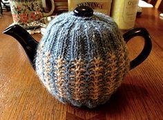 Ravelry: Tweed tea cosy pattern by Maia Perez Tea Cosy Knitting Pattern, Tea Cosy Pattern, Lace Knitting, Knitting Patterns, Knit Crochet, Yarn Sizes, Tea Cozy, Slip Stitch, Tricot