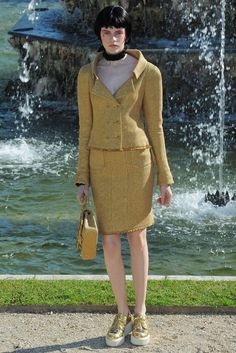Chanel Resort 2013 Fashion Show - Antonia Wesseloh