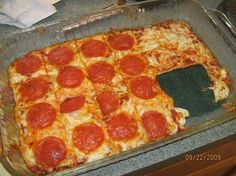 Ingredients: For the crust: For the pizza: 1 (8 oz.) package of full fat cream cheese (room temp.) 2 eggs Freshly ground black pepper Garlic powder 1/4 cup grated parmesan cheese 1/2 cup jarred marinara sauce* A pinch of cayenne pepper 1/2 teaspoon oregano 1 cup shredded mozzarella cheese Sauteed pepperoni Garlic powder