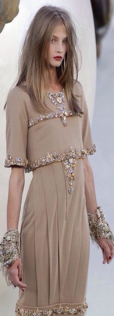 La robe du soir resume complet