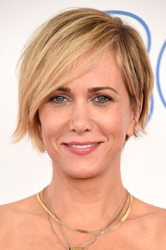 Kristen Wiig's Layered Razor Cut - Haute Hairstyles for Women Over 40 - Photos