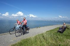 Haren in de wind, zon op het gezicht en fietsen maar! Ontdek hier zes zalige fietsroutes in Zeeland. Dicht bij huis en toch zo anders: da's Zeeland!