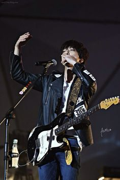 Jung Yong Hwa (CNBLUE) Can't Stop Live in Nanjing 141129