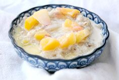 Peaches and Cream Rolled Oats in an Instant Pot pressure cooker is loaded with healthy toppings - instantlydelicious.com