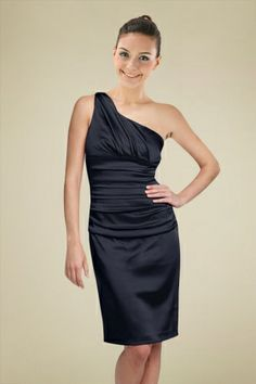 glamorous-bridesmaid-dress-with-one-shoulder-neckline