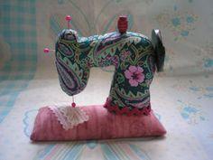 Sewing machine pin cushion