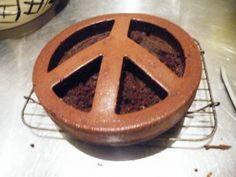 'Make Cake Not War' - Chocolate peace cake. Awesome Food, Good Food, Yummy Food, How To Make Cake, Food To Make, Peace Cake, Great Recipes, Healthy Recipes, Making Food