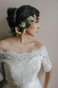 Floral hair pieces are totally trending this wedding season I via http://junebugweddings.com/wedding-blog/romantic-green-blue-wedding-inspiration/