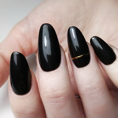 Black and Gold almond sculpted gel nails using fullcover tips | desmynails | #nailsdesign #blacknails #gelnails Sculpted Gel Nails, Black Nails, Nails Design, Wedding Nails, Sculpting, Almond, Tips, Gold, Beauty