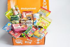 TokyoTreat Review May 2017 https://www.ayearofboxes.com/subscription-box-reviews/tokyotreat-review-may-2017/