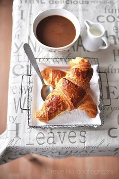New breakfast coffee croissant french ideas Perfect Breakfast, Breakfast Time, Breakfast Recipes, Breakfast Healthy, Health Breakfast, Breakfast Croissant, Breakfast Ideas, Croissants, Coffee Break