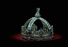 The small crown of Queen Victoria.