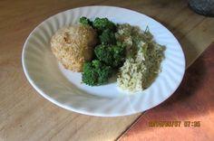 Cette recette est une des préférées de ma famille depuis nombre d'années. Mes filles la font régulièrement pour les leurs. Mes petits-enfants en raffolent. 5 petits ingrédients et 45 minutes vous avez un excellent plat de poulet. Servir avec riz aux fines herbes et brocolis bien croquants.