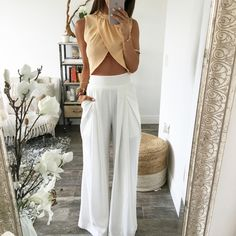 The Chloe Trousers - White Chic Outfits, Summer Outfits, Fashion Outfits, Fashion Fashion, Runway Fashion, Fashion Trends, Flowy Pants Outfit, Look Short Jeans, Trouser Outfits