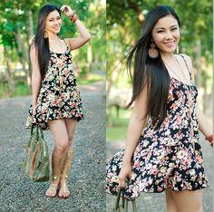 Gladiator Sandals Plus Floral 21 Dress