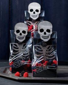Halloween treat bag skeleton | Gothic Manor Skeleton Treat Bags