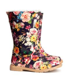 "Girls H&M fleece-lined ""wellies"""