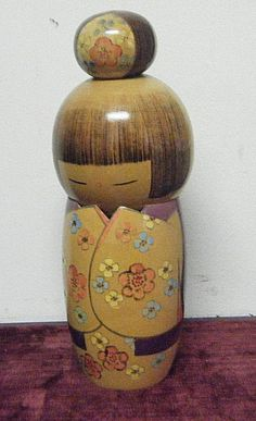 """SHY VTG JAPANESE GIRL KOKESHI DOLL 11"""" LARGE ARTIST SIGNED PRETTY FLOWER KIMONO 