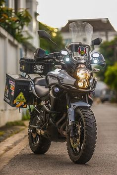 Can anybody tell me the motorcycle model please? The Kawasaki Versys can handle some serious adventure when setup correctly. Trail Motorcycle, Enduro Motorcycle, Moto Bike, Motorcycle Adventure, Gs 1200 Adventure, Adventure Tours, Ktm Adventure, Adventure Time, Harley Davidson Street Glide