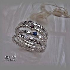 QUATTRO... bílá, modrá, červená, bílá ... č. 54 Rings, Floral, Flowers, Jewelry, Fashion, Florals, Jewlery, Moda, Jewels