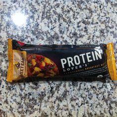 Quick power breakfast. @sweetearthfoods #gains #foodporn #foodie #workout #lift #fitness #fitnessaddict #ilovefood #fitfam #gymlife by volsteeler