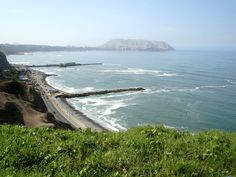 Malecón de Miraflores. Lima. Here I was, during my morning walk... Can you believe this view? It´s so beautiful.