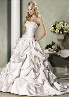 Attractive Ball-Gown Sweetheart Chapel Train Satin Wedding Dress with Ruffle Lace Beadwork