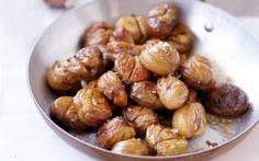 Roasted chestnuts in cinnamon butter recipe Beef Dumplings, Falafel Sandwich, Chestnut Recipes, Asian Street Food, Cinnamon Butter, Roasted Chestnuts, Thin Crust Pizza, Tasty Kitchen, Butter Recipe