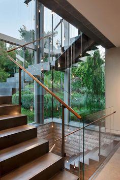 Pacific Spirit Art Estate & Garden home design and architecture by Garret Cord Werner Home Stairs Design, Railing Design, Interior Stairs, Dream Home Design, Modern House Design, Modern Glass House, Glass House Design, Canadian House, Steel Stairs