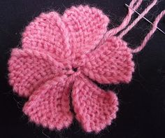Lizzie Lenard Vintage Sewing: How To Knit A Flower Free Knitted Flower Patterns, Leaf Knitting Pattern, Knitted Heart Pattern, Baby Cardigan Knitting Pattern Free, Knitted Mittens Pattern, Beginner Knitting Patterns, Animal Knitting Patterns, Christmas Knitting Patterns, Knit Mittens