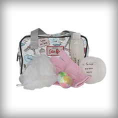A stylish bag with pampering treats for a young girl. This product is shipped in bag and wrapped in coloured paper.