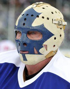 The Dougie Favell Bruins Hockey, Hockey Goalie, Hockey Players, Ice Hockey, Hockey Helmet, Hockey Gear, Nhl, La Kings Hockey, Hockey Rules