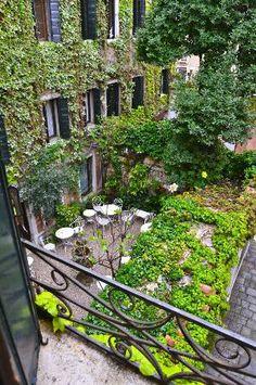 Hotel Flora: garden