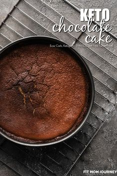 4 Points About Vintage And Standard Elizabethan Cooking Recipes! The Best Keto Chocolate Cake Tastes Like It Came From A Bakery. With That Pudding Taste We've Come To Love In Boxed Cakes Clocks In At Net Carbs Per Slice - You Won't Miss Boxed Cake Ever Chocolate Slice, Keto Chocolate Cake, Vegetarian Chocolate, Healthy Cake Recipes, Keto Recipes, Dessert Recipes, Cooking Recipes, Healthy Desserts, Banting