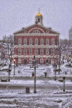 ✮ Faneuil Hall during a blizzard in Boston. I missed the blizzard thank goodness. Was a really warm summer .....