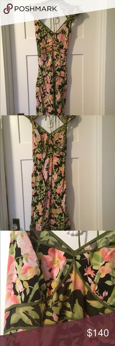 Tracy Reese Floral Dress Floral dress, worn once. 100% silk. I love this dress and all the details, but I'm not wearing it enough to keep. So flattering, girly and sexy all at the same time! 🌸 Item is eligible for 2 free gift items. Please see my closet for which items are free gifts. Just add items to a bundle and I will subtract the cost of the free items.🌸 Tracy Reese Dresses