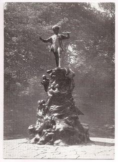 Peter Pan Statue, London, Kensington Gardens (LW30-1)