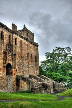 East entrance, Linlithgow Palace, Scotland, birthplace of Mary, Queen of scots